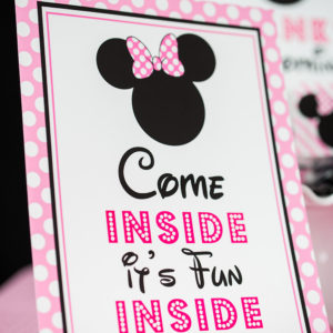 Pink-Minnie-Come-Inside-its-fun-inside-sign